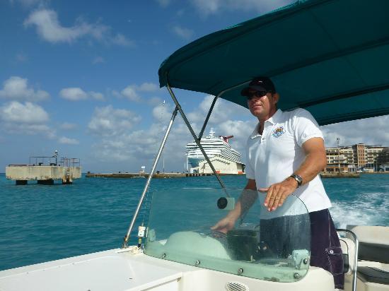 Oranjestad, Aruba: Capt Rene