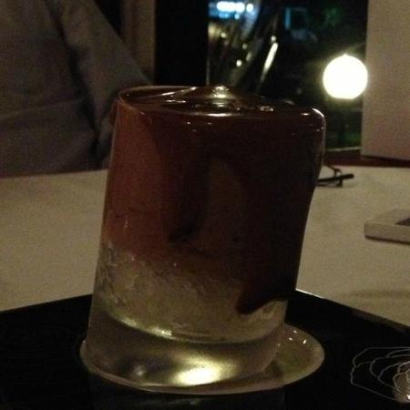 Enoteca Italiana: Warm chocolate foam over crushed rum ice