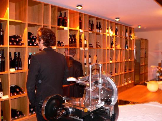 Wiener Botschaft: Vinothek und Keller-Bar