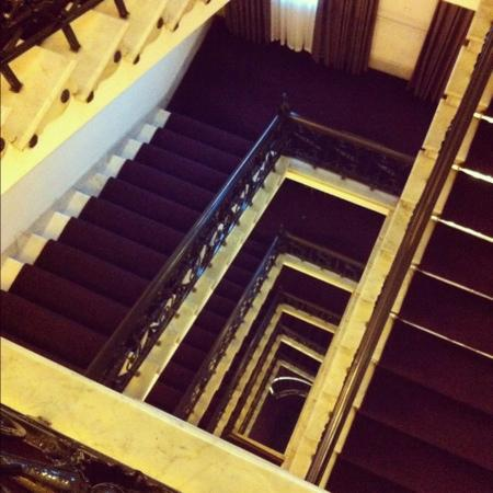 Thistle Holborn, The Kingsley: stairs!