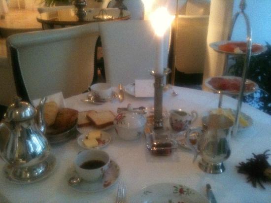 Hotel Opera: Breakfast