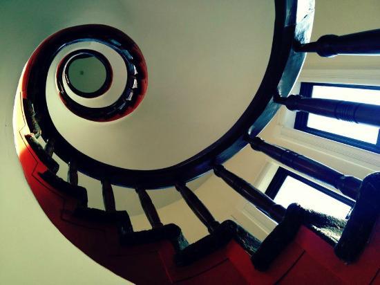 Hotel Brexton: stunning staircase!