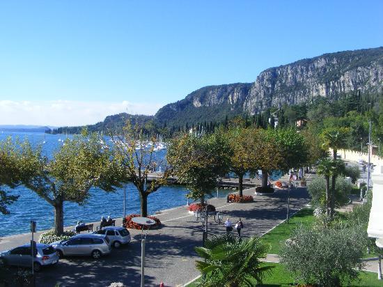 La Vittoria Boutique Hotel: View from Balcony