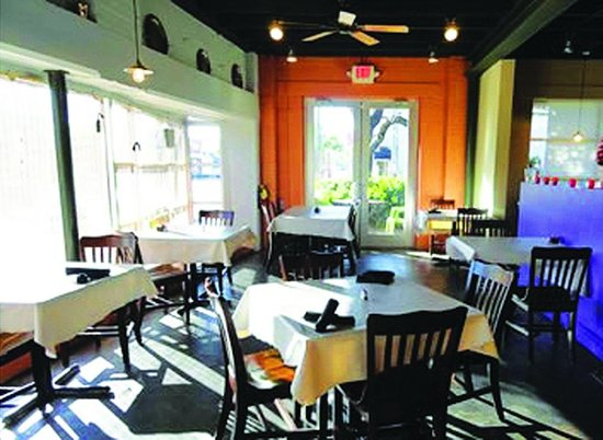 Mulhollows Bistro 215: Inside you'll find a bright, inviting dining space