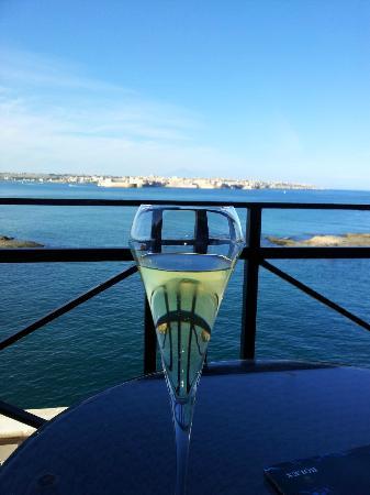 Grand Hotel Minareto: Vue sur Syracuse de notre chambre
