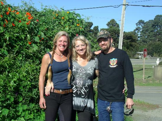 Vida, Liz and James at Ricochet Ridge Ranch.