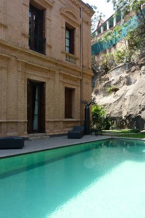 La Maison Gallieni : Acces à la piscine depuis la chambre