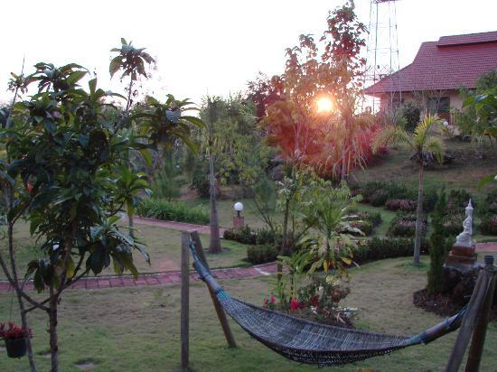 Mai Siam Resort: Vue du balcon sur le jardin