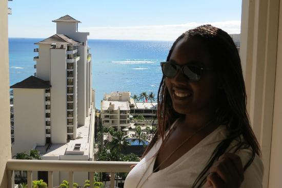 Embassy Suites by Hilton Waikiki Beach Walk: View from the floor balcony