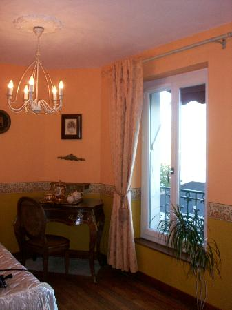 Hotel de la Loire : View from the bed