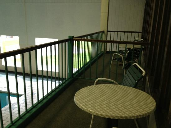 Clarion Highlander Hotel and Conference Center: Balcony