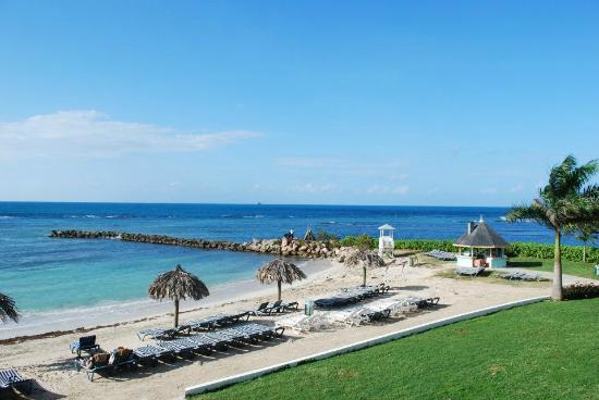 Sunscape Splash Montego Bay : Room view, east block oceanfront cabana (E204)