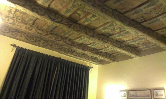 The Charles Hotel: beautiful ceiling