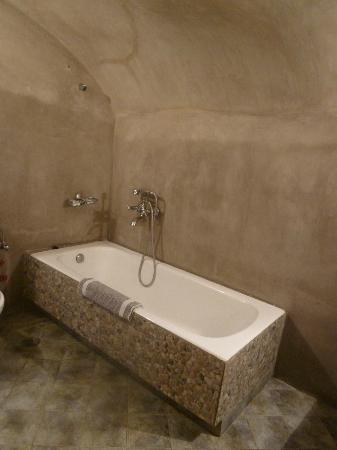 Nomikos Villas : Bathroom