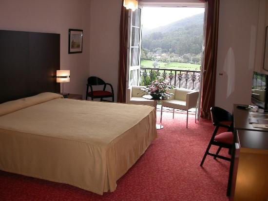 Hotel O Val Do Naseiro: Habitación