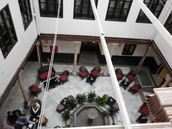Hotel Casa del Pilar: restaurant seating