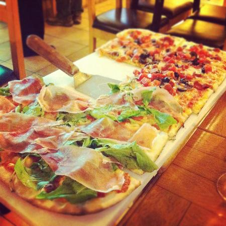 Pizzeria roma santiago restaurant reviews phone number for Pizza pizzeria