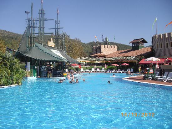 Aquafantasy Aquapark Hotel & SPA: Poolbar in the waterpark