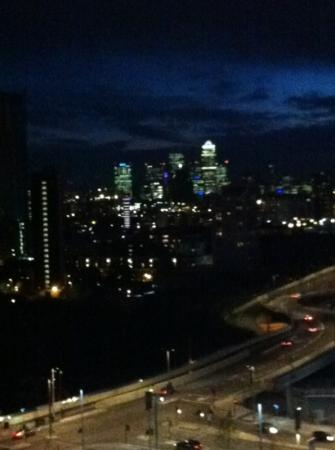 Staybridge Suites London-Stratford City: canary wharf from 1128