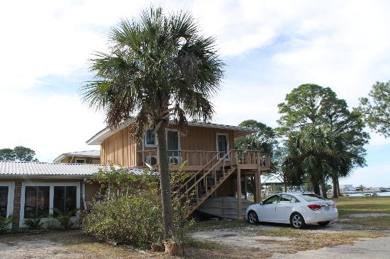 Dauphin Island Harbor House: Front
