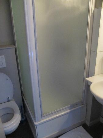 Hotel Mille Colonnes: Bathroom