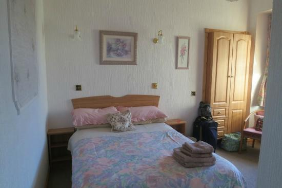 Ackinnoull Guest House : Room