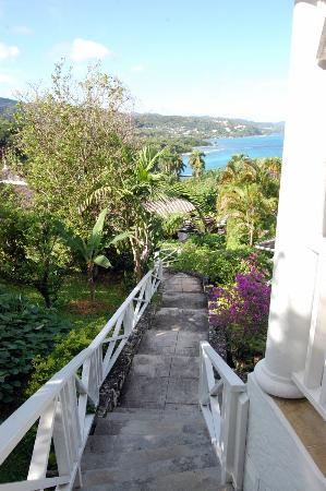 Round Hill Hotel & Villas : View from balconey of Cottage 66b (Villa 13)