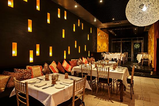High Quality Garam Masala Restaurant: Plenty Of Banquette Seating And Raised Dining Area