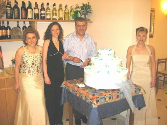 Albergo Angela: Lavoriamo per VOI con Amore dal 1994............
