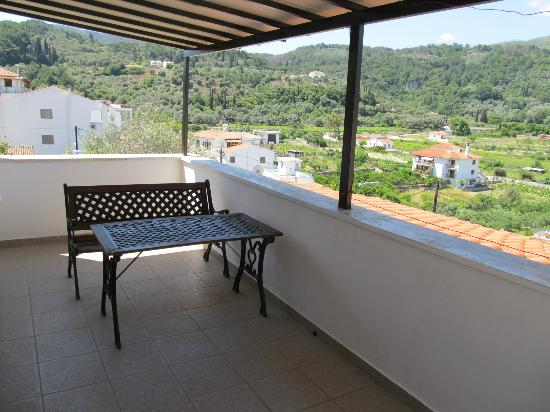 Villa Maria: Balcony