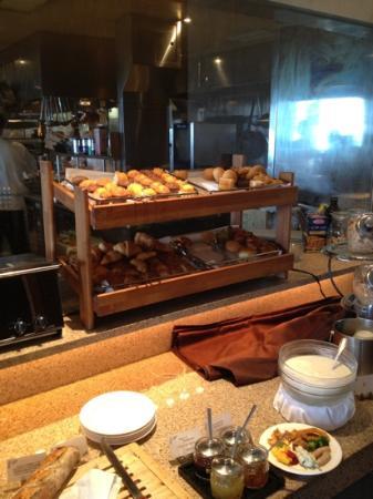 Kafuu Resort Fuchaku Condo Hotel: ホテルの朝食ブッフェ2⃣