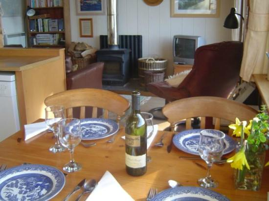 Seafield Farm Cottages: Kirkland Lodge Dining and Lounge areas