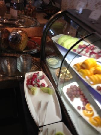 Kafuu Resort Fuchaku Condo Hotel: ホテルの朝食ブッフェ3⃣