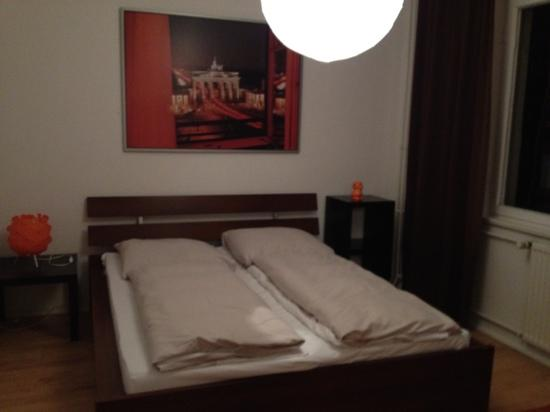 Tom's Hotel: double bedroom
