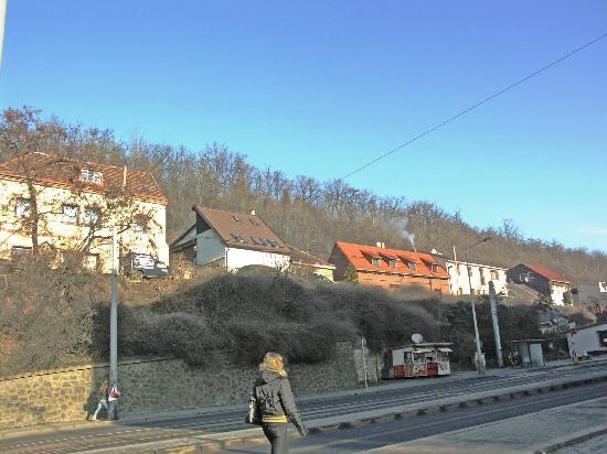 Hotel Michle: трамвайная остановка