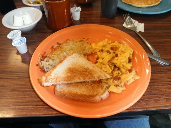 suzy q s soda fountain grill mansfield restaurant reviews phone number photos tripadvisor