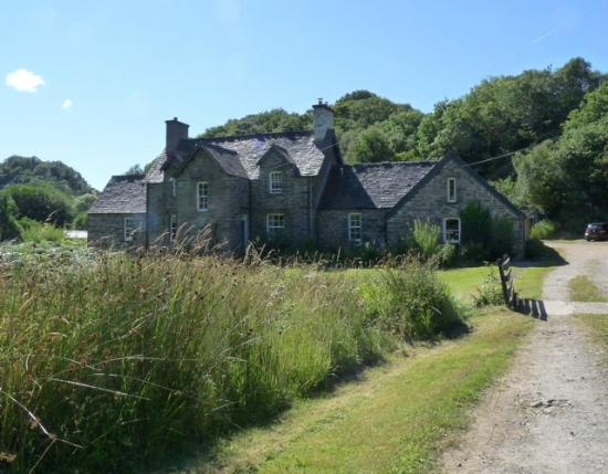 Seafield Farm Cottages: Seafield Farmhouse and Cottages