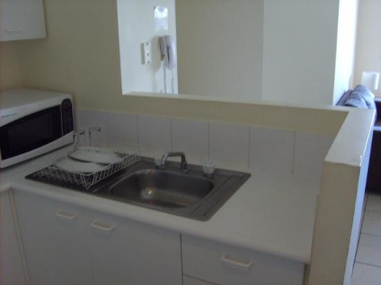 Bay Lodge Apartments: Kitchen