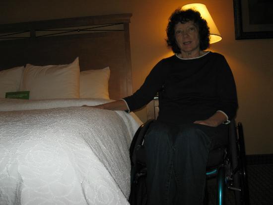 لا كوينتا إن آند سويتس توين فولز: High bed