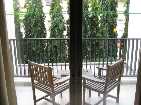 Deevana Plaza Phuket Patong: balcony