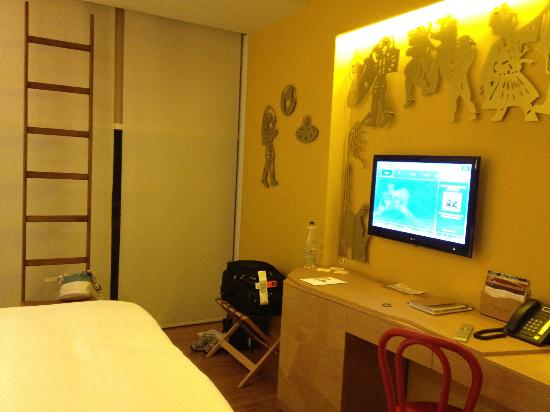 New Hotel: Hotel room