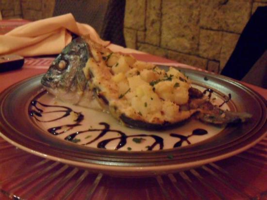 La Taverna del Duca: Orata con Patate, olive e capperi