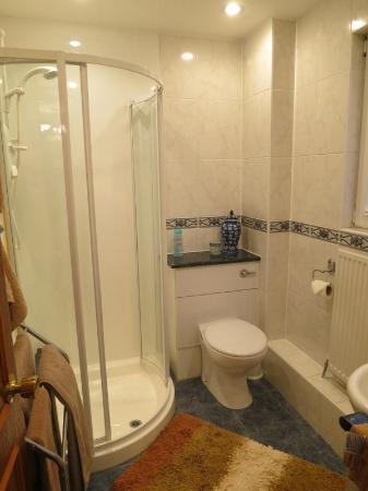 The Roods Bed & Breakfast: Bathroom