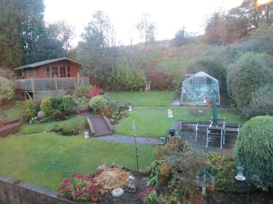 The Roods Bed & Breakfast: Room view over gardens