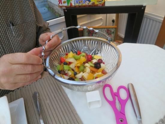 The Roods Bed & Breakfast: Fruit Salad with breakfast