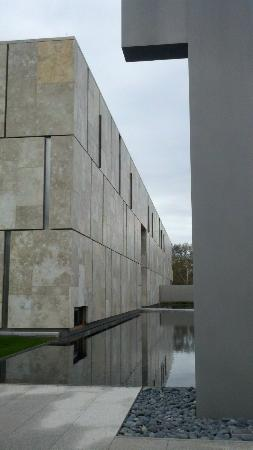 "The Barnes Foundation : Entrance and ""Barnes Totem"""