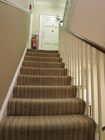 โรงแรมอาโรสฟา: Stairwell_Rm 12 Door