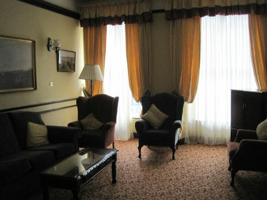 The Grand Hotel Tralee: First floor lounge