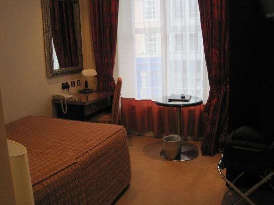 The Grand Hotel Tralee: Room 106