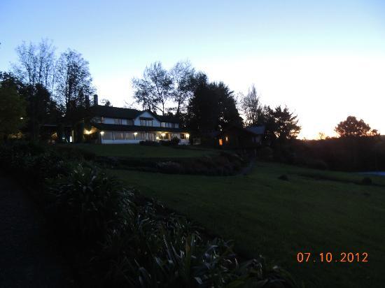 El Parque Hotel & Cabins: Visao noturna